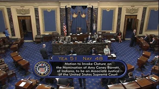 USA:s senat röstade för att begränsa debatten om nomineringen av Amy Coney Barrett som ny domare i högsta domstolen.