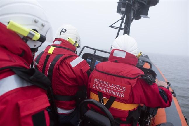 Bland annat Vasa sjöräddningsförening ryckte ut till olycksplatserna på lördagskvällen.