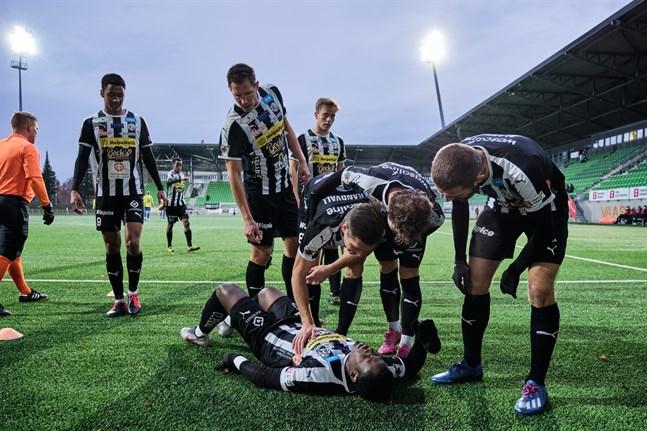 20201025, Elisa stadion, Vasa, Division 1, herrar, VPS – If Gnistan. Steven  Morrissey, VPS (#10) efter 1-0-målet