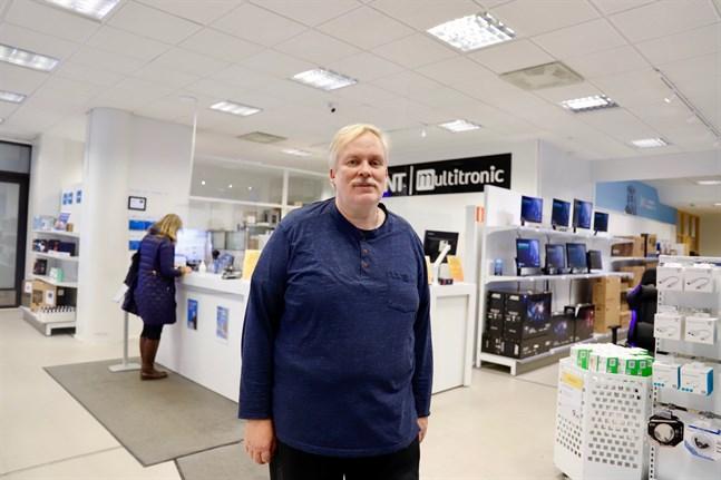 Tom Kecklund, Multitronics styrelseordförande, är glad över den nya webbshoppen.