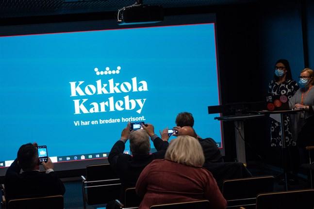 Nu ska den mest positiva personen i Karleby utses. Bilden är tagen när Karlebys nya varumärke presenterades.