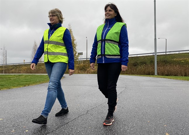 Görel Björses och Åsa Norrvik har märkt att allt fler är ute och rör på sig då andra motionsformer begränsas.