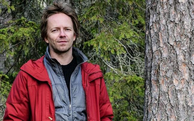 Matti Liimatainen, skogsexpert vid Greenpeace, anser att det är absurt att skogsområden som de i Raseborg ska avverkas i statens namn.