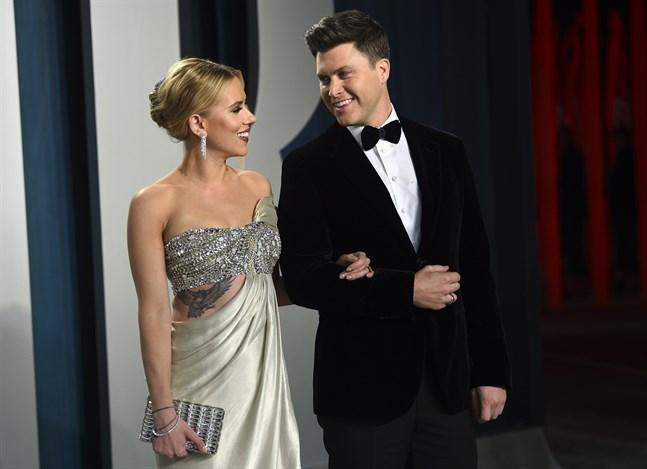 Det lyckliga paret Scarlett Johansson och Colin Jost, här i Los Angeles i februari i år.
