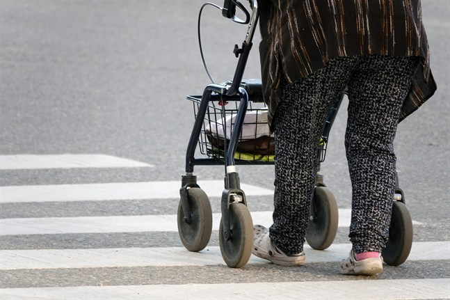 Finlands åldrande befolkning skapar problem för de offentliga finanserna.