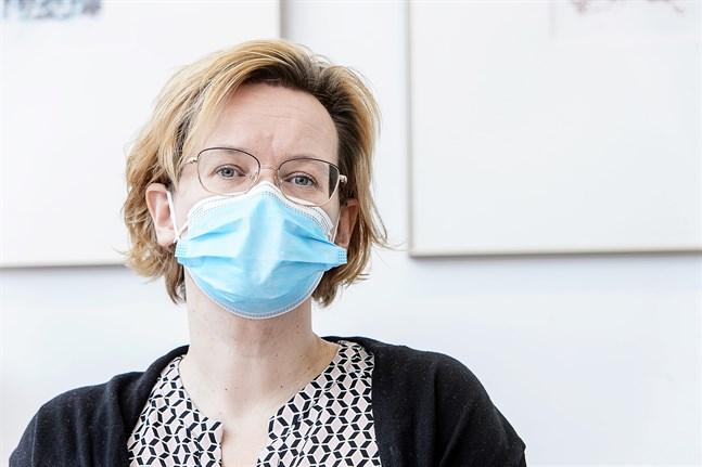 Pia-Maria Sjöström, t.f. social- och hälsovårdsdirektör, under social- och hälsovårdsnämdens info 30 oktober.