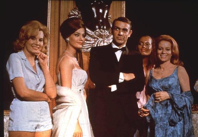 """Sean Connery som James Bond i den fjärde James Bond-filmen """"Åskbollen""""."""