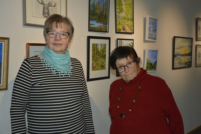 Vivan Österberg och Berit Lillås ställer ut tavlor i konsthallen i november.