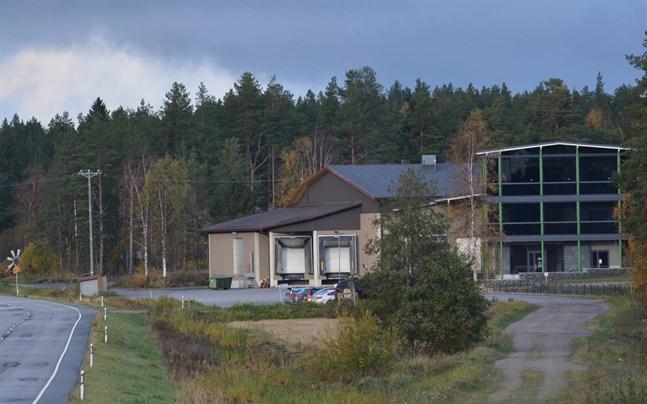 Potatisförädlingsföretaget Öströmin Perunatuote finns invid riksåttan i Kristinestad.