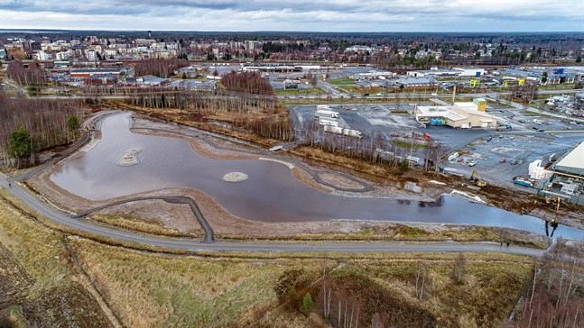 Kyrklundens våtmarksområde ligger strax söder om Karleby centrum, bakom ABC i Heinola.
