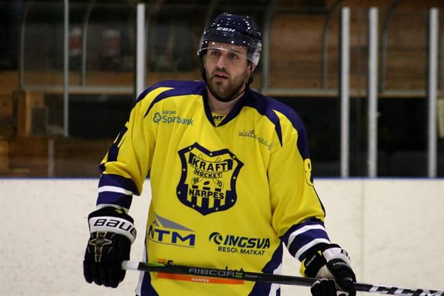 Kraft åkte på storstryk i Lappo. Poängbäst i Närpeslaget var Arturs Kuzmenkovs men hans mål och assist hjälpte föga denna afton.