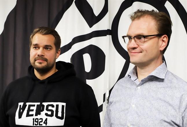 VPS nya tränare Jukka Karjalainen tillsammans med styrelseordförande Timo Harri.