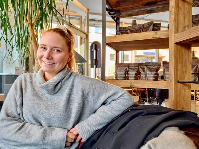 Ida-Maria Jungell, Citygruppens centrumplanerare, hoppas att julhandeln blir lokal i år.
