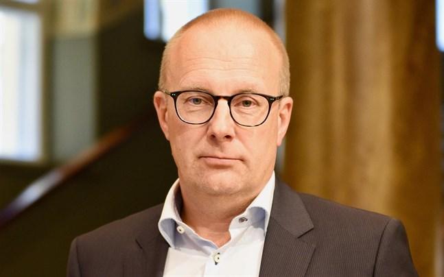I synnerhet personer i arbetstagarställning upplever att det bästa och tryggaste sättet att avtala om anställningsvillkoren är mellan förbunden, säger FFC:s ordförande Jarkko Eloranta.