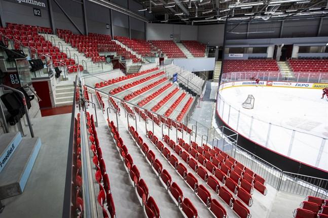 Det blir publik på Kopparön den här veckan när Sport spelar två träningsmatcher.