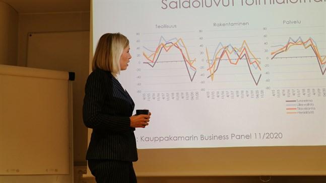 Mera optimism nu hos företagen än i våras men ännu finns oro kvar, konstaterar Paula Erkkilä.