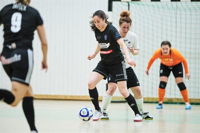 Pipsa Lahtinen och FC Sport-j stod för en stark insats när säsongens första seger kvitterades ut mot FC Halikko.