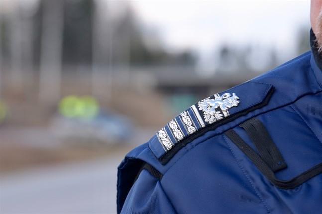 Polisen ber allmänheten om hjälp för att hitta 14-åriga Miro Lehtinen.