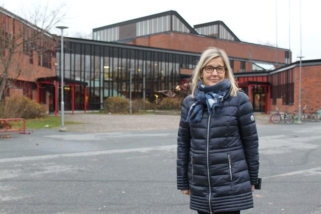 Rektor Päivi Kaarniemi i Variska skola i Korsnäståget.