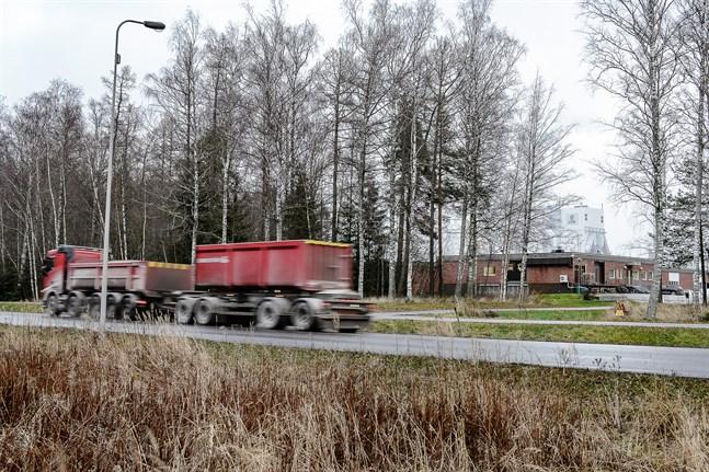 Den planerade utvidgningen av reningsverket skulle byggas mellan det befintliga reningsverket och Alholmsvägen.