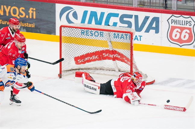 Rasmus Reijola hade en hel del att göra i tisdagskvällens match mot Tappara.