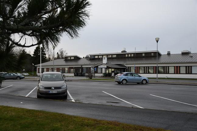 Närpes hälsovårdscentral ska renoveras för 5,7 miljoner under åren 2021–2022.