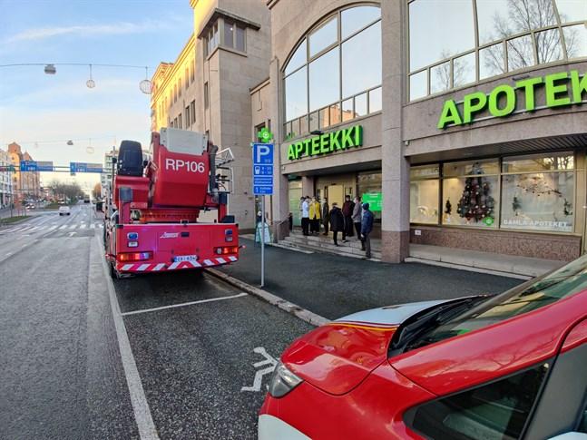 Ett brandalarm orsakade utrymning på Vasaesplanaden på onsdagsförmiddagen.