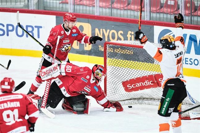Fyra matcher ställs in för Rasmus Reijolas Sport.