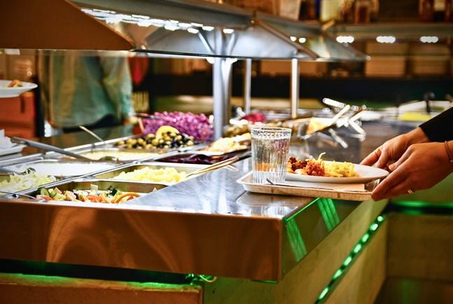 Landskapets coronaläge styr hur strikta begränsningar restaurangerna i området omfattas av.