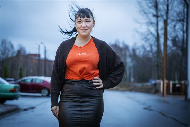 – Vi borde ha dubbelt så många skyddshem och utveckla både de förebyggande åtgärderna och eftervården för överlevarna, säger Elina Viitasaari som arbetar för UN Women Finland.