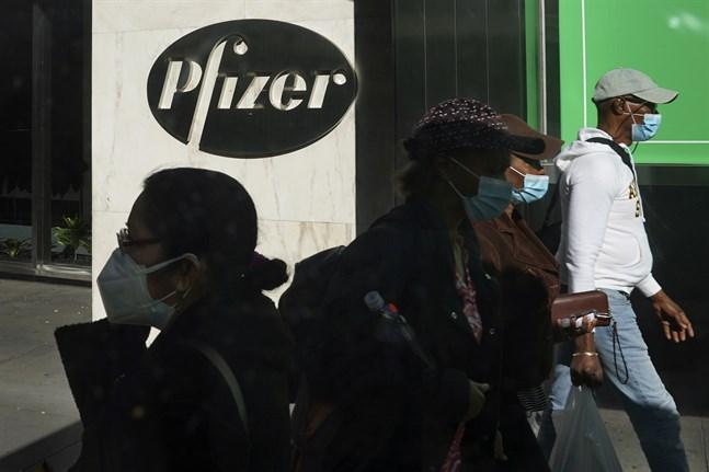 Läkemedelsbolaget Pfizer har ansökt om ett nödgodkännande för bolagets vaccinkandidat mot covid-19. Arkivbild.
