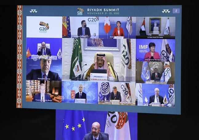 G20-mötet, som sett från EU:s rådsordförande Charles Michels skärm i Bryssel. Ledarna för världens 20 rikaste länder träffas i videosamtal – med hopp om att kunna ses ansikte mot ansikte på nästa G20-möte.