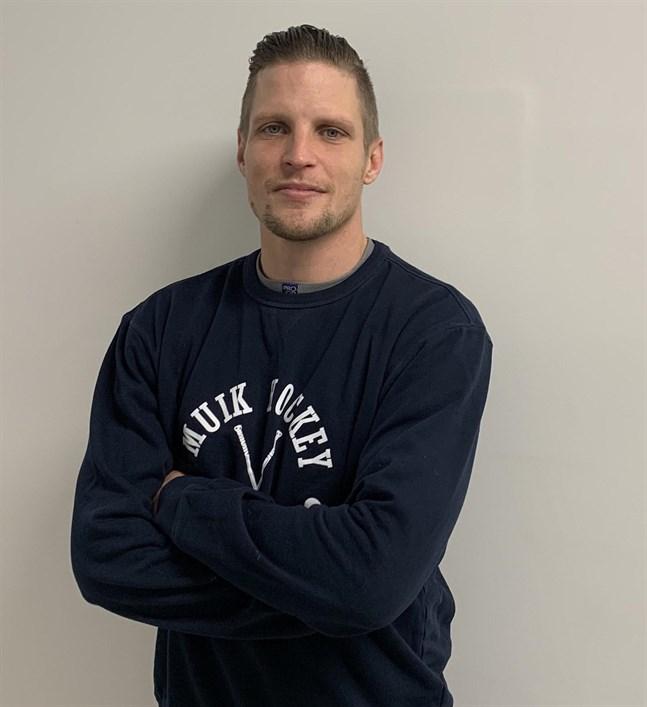Michael Ringberg fick se sitt Muik Hockey vinna en riktig nagelbitare då Titaanit gästade i Komarov Arena.