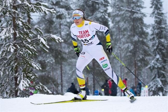 Julia Häger var bäst av FSS-åkarna på den fria milen i Finlands Cup i Taivalkoski.