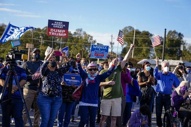 Valfeber råder i USA-delstaten Georgia. Bilden är tagen vid ett kampanjmöte hållet av den demokratiske senatorskandidaten Jon Ossoff i Marietta.