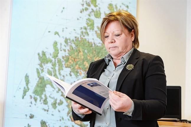 Larsmos kommundirektör Gun Kapténs är nöjd med resultatet för 2020 som landade på 1,5 miljoner plus.