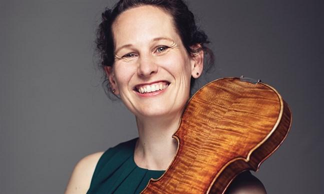 Malin Broman inledde sitt arbete som Mellersta Österbottens Kammarorkesters konstnärliga ledare hösten 2019.