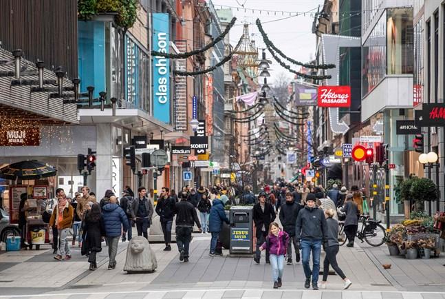 Drottninggatan i centrala Stockholm. Bilden är tagen den 10 november.