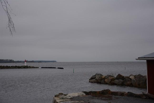 Tre vindkraftsområden är aktuella i Korsnäs just nu, två på land och ett till havs. Bilden är från Harrström, som utgör det sydliga delen av projektområdet för havsvindparken.