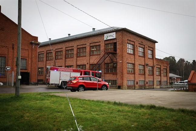 Räddningverket ryckte ut till Mirkas fabriksområde, där även företaget Orapac verkar, på onsdagen.