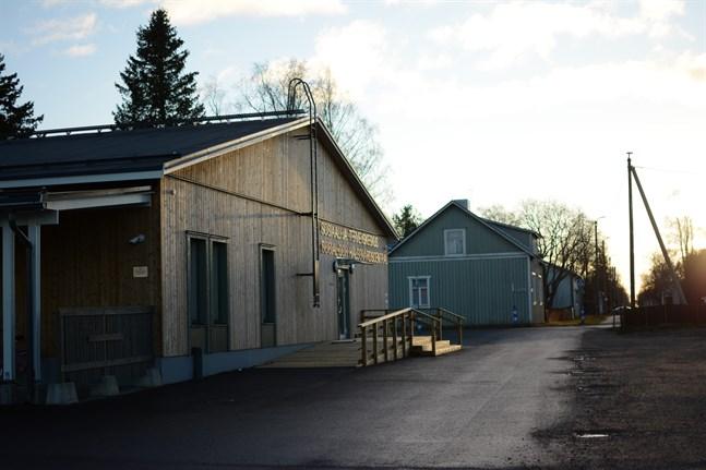 Nästan hälften av dagens nya coronafall i Vasa sjukvårdsdistrikt finns i Kaskö.