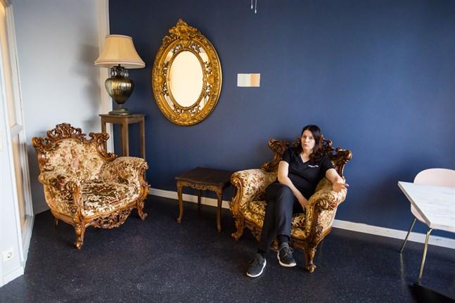 Här kan kunderna slappna av och njuta av atmosfären, säger Jessica Piispanen.