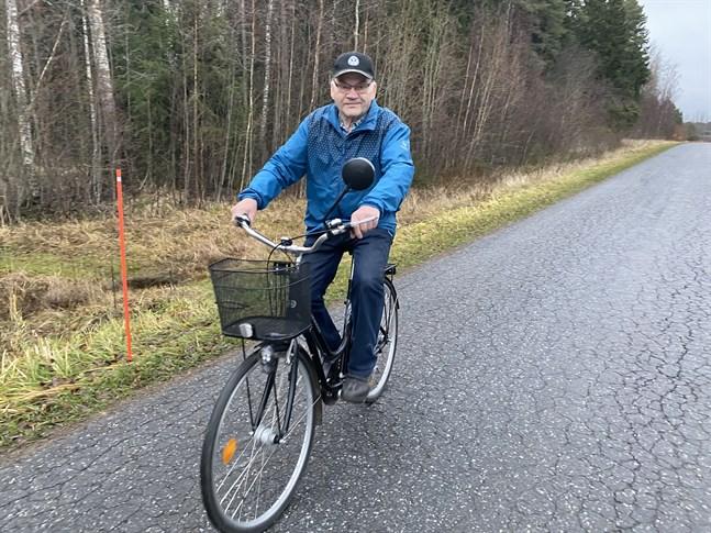 Börje Teir är en flitig motionär. Han har trampat närmare 4 000 kilometer under motionskampanjen i Kristinestad denna sommar.