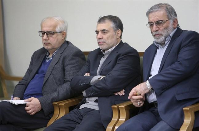 Mohsen Fakhrizadeh sitter till höger på denna bild, vid ett sammanträde med ayatolla Ali Khamenei i januari 2019. Bilden har publicerats på ayatollans officiella hemsida.