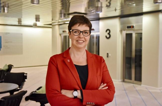 Samhällsforskaren Siv Sandberg tror inte att omorganiseringen på Kommunförbundet innebär en domänförlust för den svenska verksamheten.
