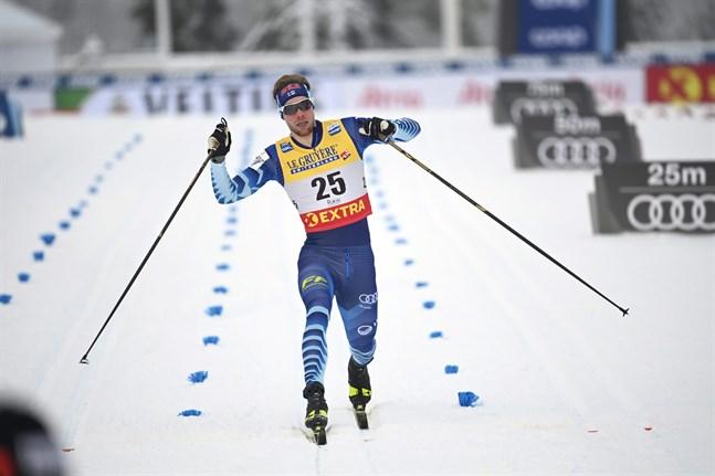 Trots att det inte blev final för Joni Mäki så visade han ändå lovande takter i världscuppremiären. Trea i kvalet och etta i kvartsfinalheatet visar att han har något bra på gång – även om resan denna gång tog slut i semifinal.