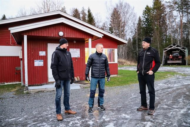 Kaj-Olof Rönnback, Kim Granholm och Andreas Knip säger att det inte blir någon stuga om föreningarna måste betala stora summor.