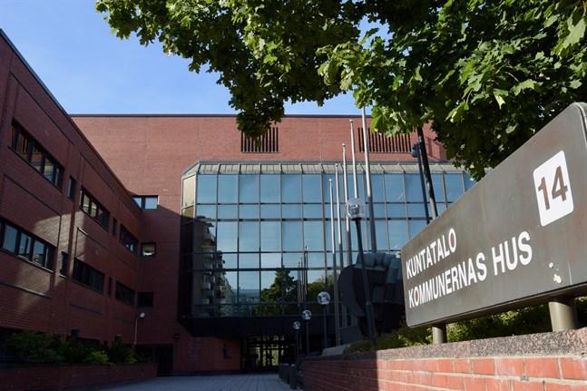 Kommunförbundets enhet för svenska och internationella ärenden läggs ned från och med nästa vecka.