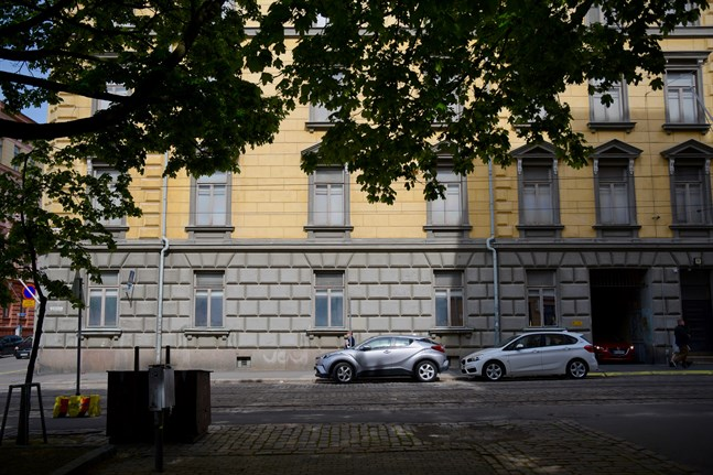 Under de närmaste åren ska Skyddspolisen flytta från sina anrika men uttjänta lokaler vid hörnet av Bangatan och Fredriksgatan i Helsingfors.