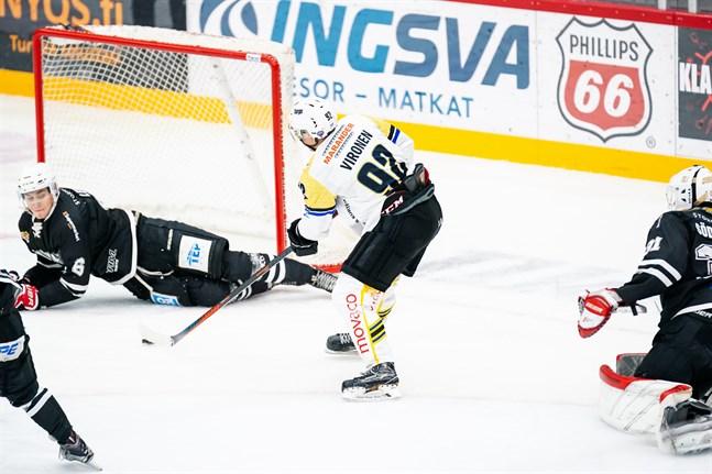 MIF-kaptenen Jonas Vironen snodde pucken av målvakten Eemil Söderlund och kunde ha stängt matchen genom att sätta 1–3. Men Lauri Leino höll liv i spänningen genom att kasta sig i vägen.